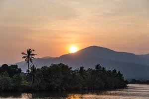 Zonsondergang op de Mekong Rivier van