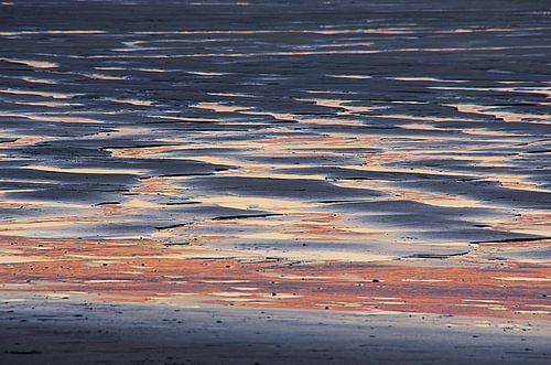 Zonsondergang strand Houlgate Normandie Opaalkust von Watze D. de Haan