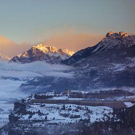 Zonsopkomst bij Mont-Dauphin  van Tessa Louwerens