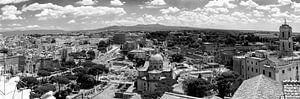 Uitzicht over Rome in zwart-wit van Kok and Kok