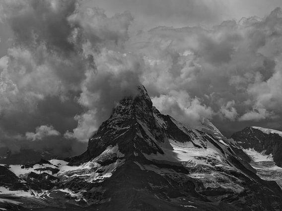 Gewitter über dem Matterhorn von Menno Boermans