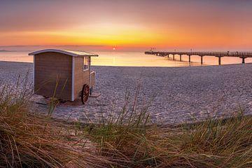 Strandwagen aan het strand van Scharbeutz aan de Oostzee van Fine Art Fotografie