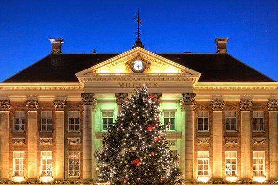 Kerstboom voor het Stadhuis van Groningen