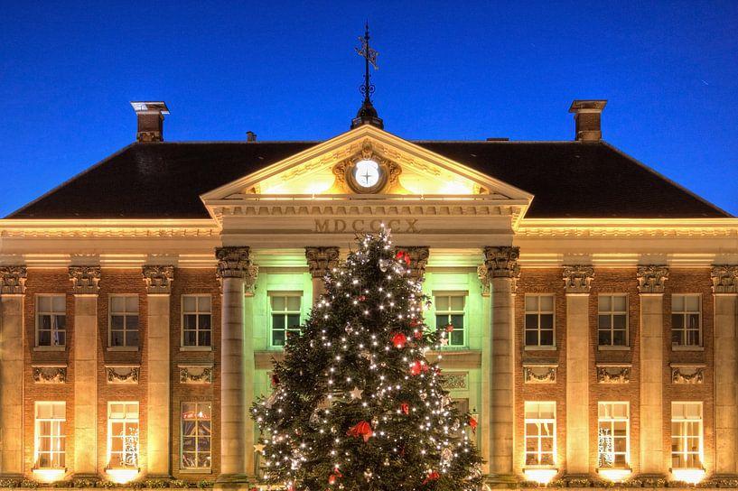 Kerstboom voor het Stadhuis van Groningen van Frenk Volt