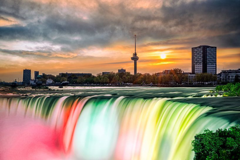 Rotterdam aan de Maas (Waterval) van Rob van der Teen