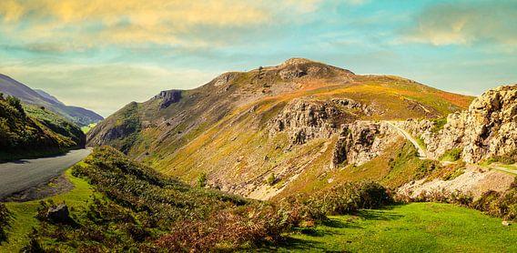 Avondzon op de heuvels van Wales, Groot Brittannië