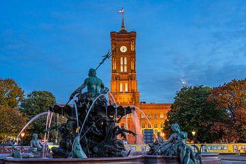 Neptunbrunnen vor dem Roten Rathaus Berlin von Peter Schickert