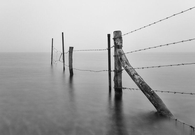 Serene rust in zwart-wit von Bart van Dinten
