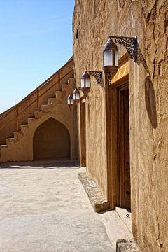 Binnenplaats van Fort bij Jabrin in Oman van Yvonne Smits