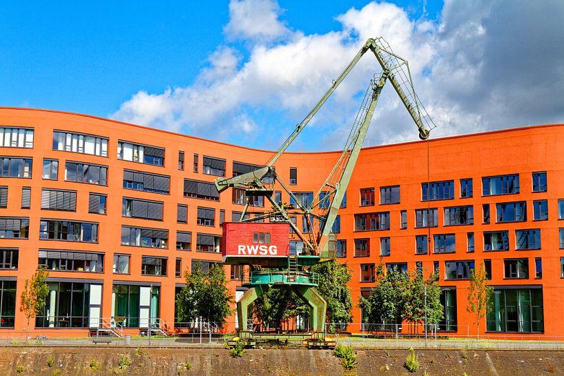 Duisburg binnenhaven (7-14163) van Franz Walter