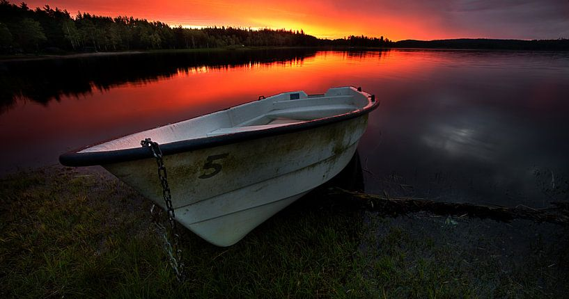 Sunrise boat van Jip van Bodegom