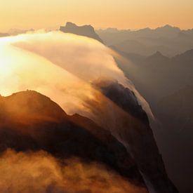 Lever de soleil depuis la Marmolada - Vénétie - Italie sur Felina Photography