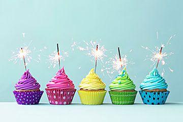 SF 11994227 Rij van kleurrijke cupcakes met sterretjes van BeeldigBeeld Food & Lifestyle