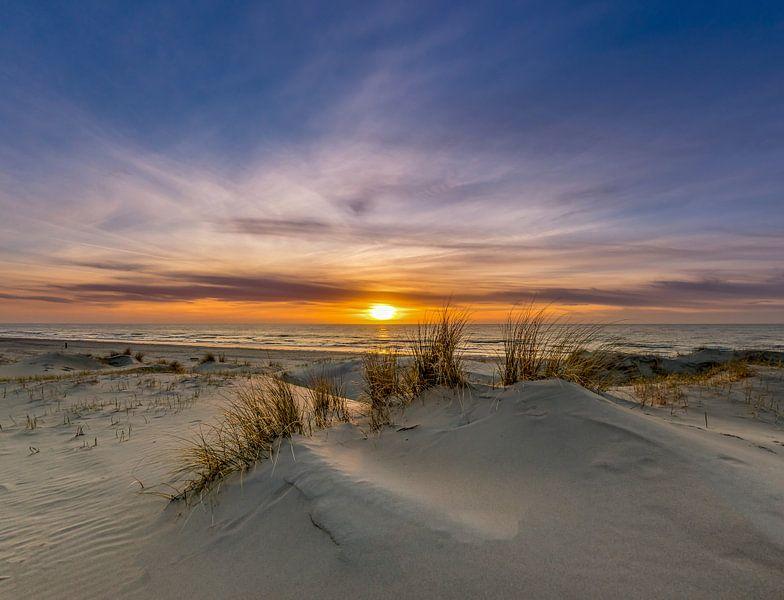 Paal 21 Zonsondergang - Texel van Texel360Fotografie Richard Heerschap
