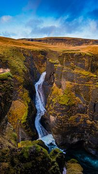 Waterval in IJsland van Tim Briers