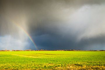 Donkere wolken na een onweer van Kris Christiaens