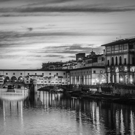 Italië in vierkant zwart wit, Ponte Vecchio van Teun Ruijters