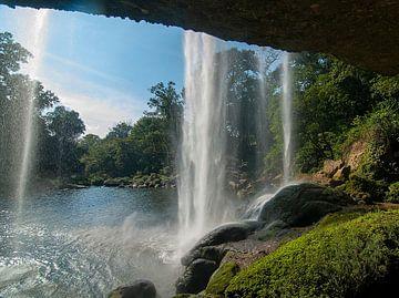 Salto de Agua: Cascada de Misol-Ha van Maarten Verhees