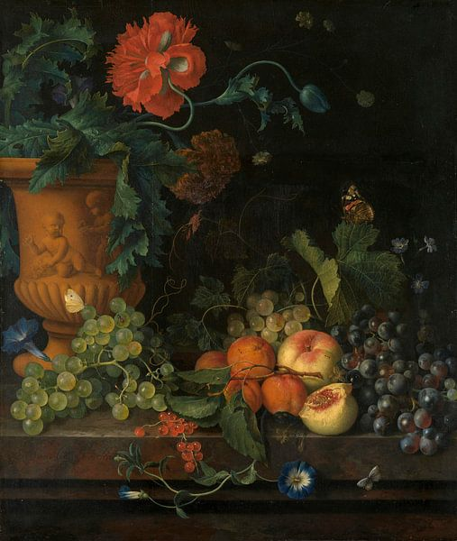 Terrakotta-Vase mit Blumen und Früchten, Jan van Huijsum von Meesterlijcke Meesters