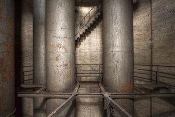 Tubes industriels abandonnés sur Kristof Ven