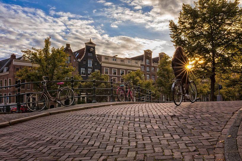 Touching the Sun - Amsterdam van Thomas van Galen