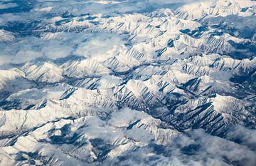 Berge vom Himmel aus gesehen von Inge van den Brande