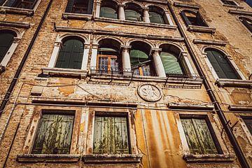 Beeindruckende Fassade in Venedig von Mischa Corsius