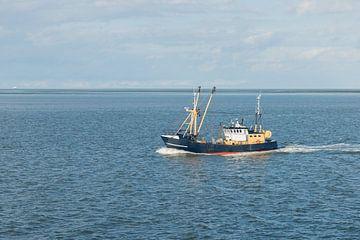 Vissersboot op de Waddenzee   van Tonko Oosterink