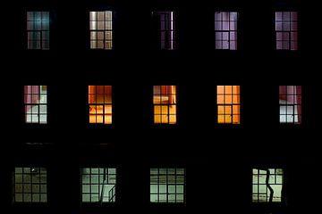 Und hinter Fenster Nummer eins... von Mike Bing