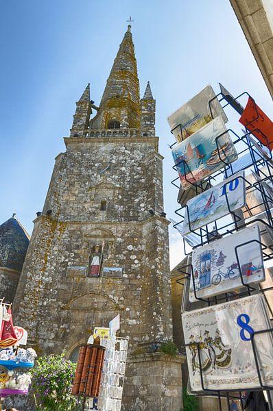 Kirchplatz in Carnac von Mark Bolijn