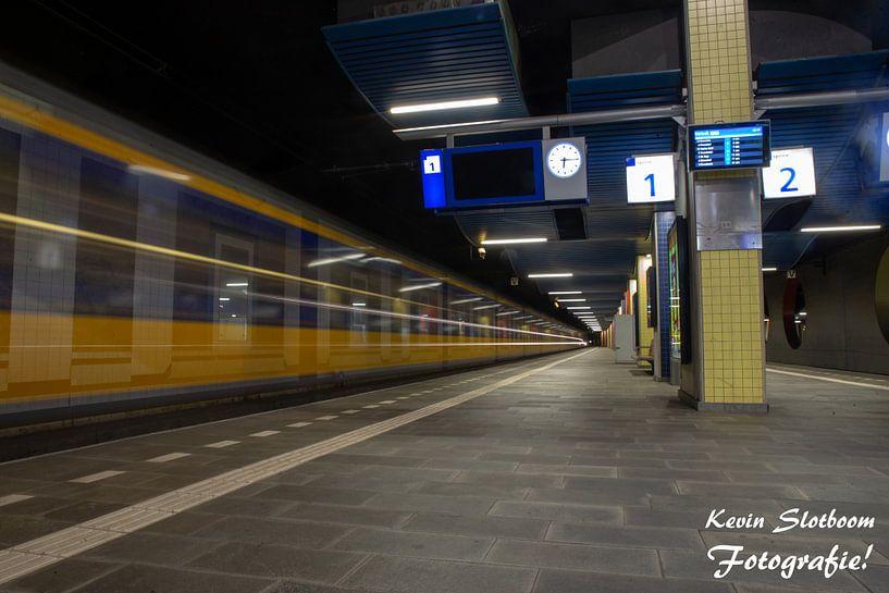 NS op Station Blaak, Rotterdam van Kevin Slotboom