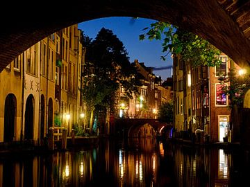 Doorkijk bij de Gaardbrug, Utrecht. van George Ino