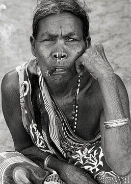 Vrouw met sigaar van Affect Fotografie