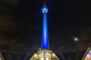 Berliner Fernsehturm in besonderem Licht von Frank Herrmann