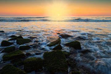 kleurrijke zonsondergang langs de Nederlandse kust von gaps photography