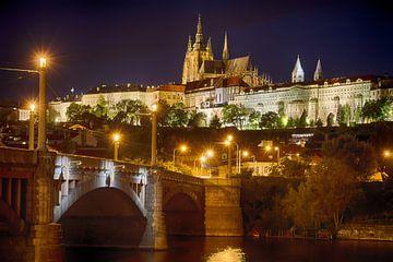 Château de Prague le soir sur Christa Thieme-Krus