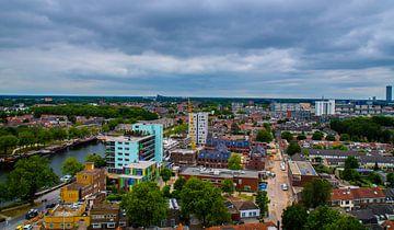 Skyline van Tilburg gezien vanaf de Piushaven. van Freddie de Roeck