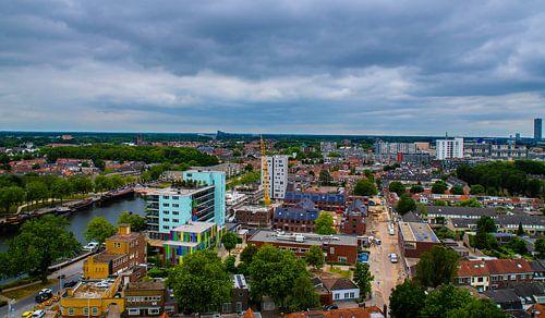 Skyline van Tilburg gezien vanaf de Piushaven. van