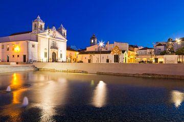 Lagos aan de Algarve in Portugal 's nachts in de Algarve van Werner Dieterich