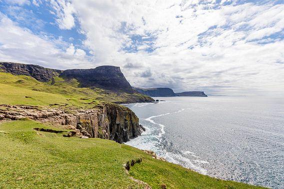 Waterstein Head - vanaf Neist Point, Isle-of-Skye, Schotland van Remco Bosshard