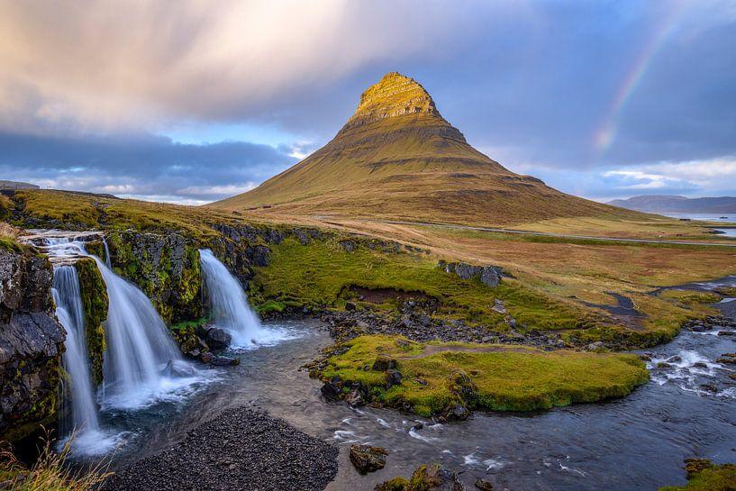 Mount Kirkjufell van Dominiek Cottem