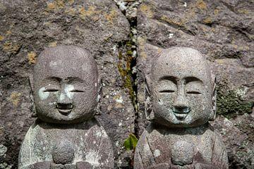 Beeldjes bij de Hasedera Temple in Japan van