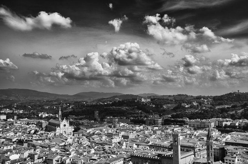 Clouds over Firenze van Tom Roeleveld