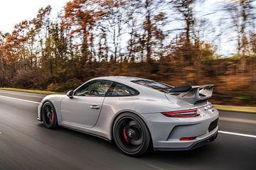 Porsche 911 GT3 4.0 bei hoher Geschwindigkeit von Bas Fransen
