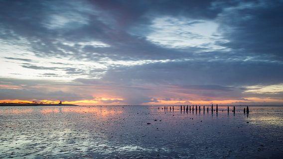 Na regen komt..... Zonsondergang Wierum Waddenzee van Martijn van Dellen