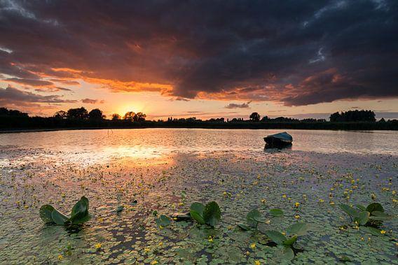 Zonsondergang bij de Oude Waal Nijmgen. van Rob Christiaans