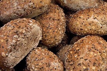 Ruikt u al de geur van afgebakken broodjes ? van Henny Brouwers