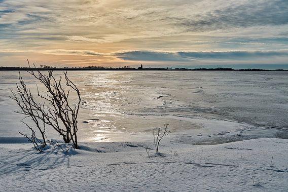 Bevroren waddenzee bij Oosterland op Wieringen