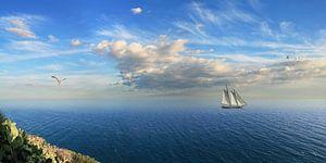 Zeilen aan de kust van Spanje