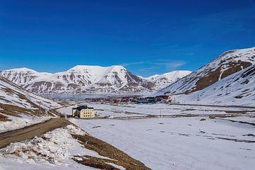longyearbyen spitsbergen van Merijn Loch